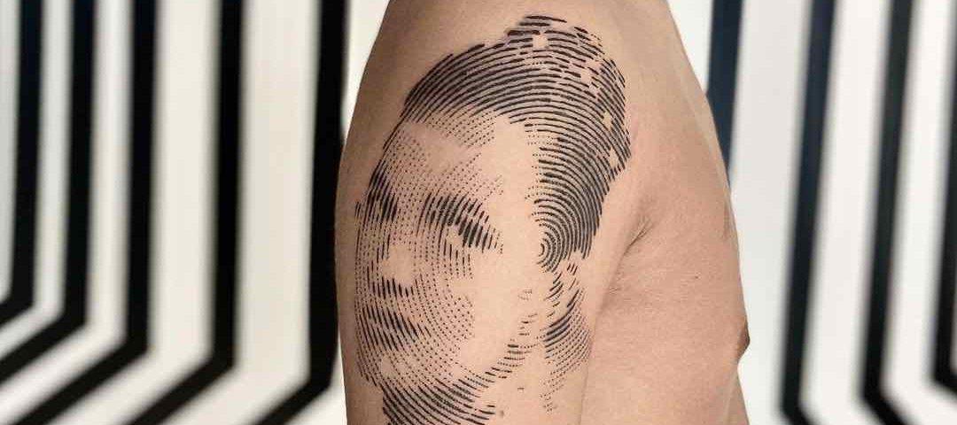 Piccolo ritratto di madre tattoo